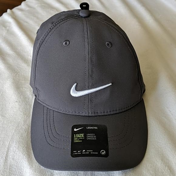 {NIKE} NWT grey hat